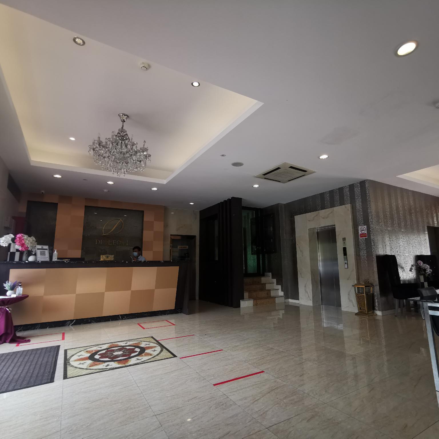 De Leon Hotel ll