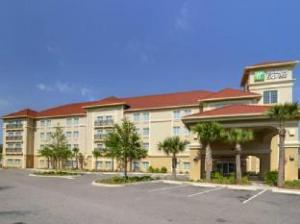 Holiday Inn Express Tampa North Telecom Park