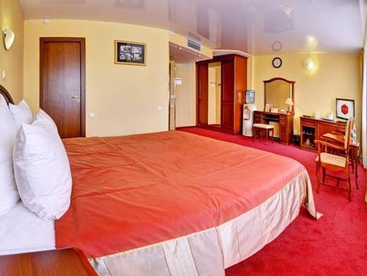 Yuzhny Hotel