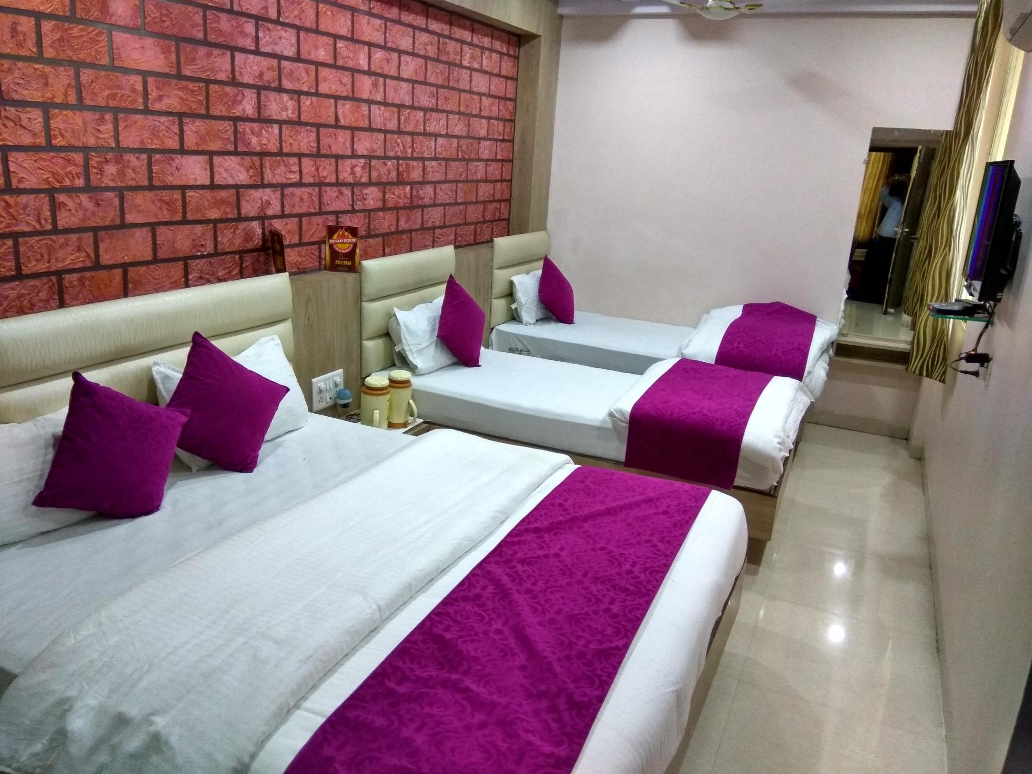 Review Hotel Aamantran Avenue