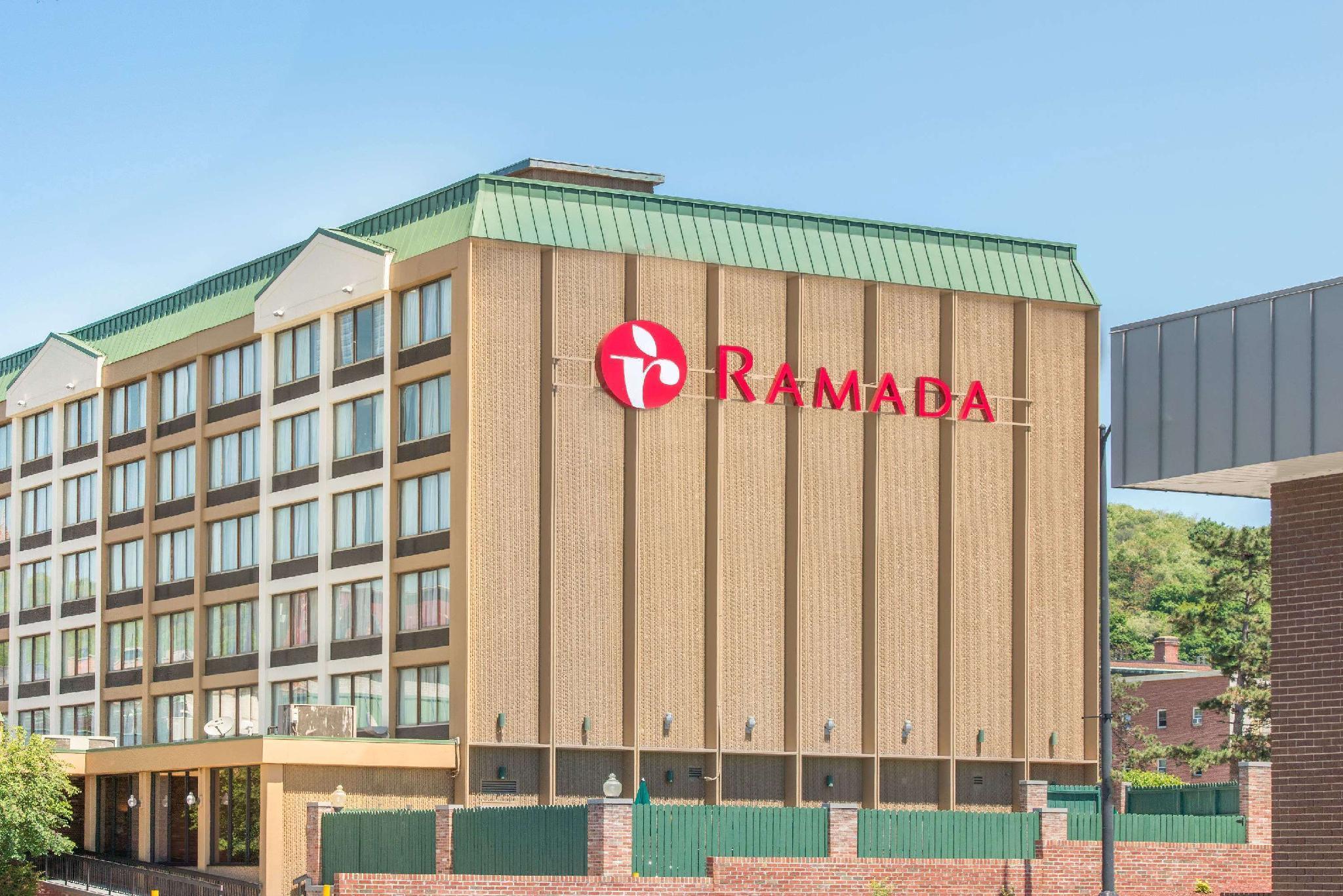 Ramada By Wyndham Cumberland Downtown