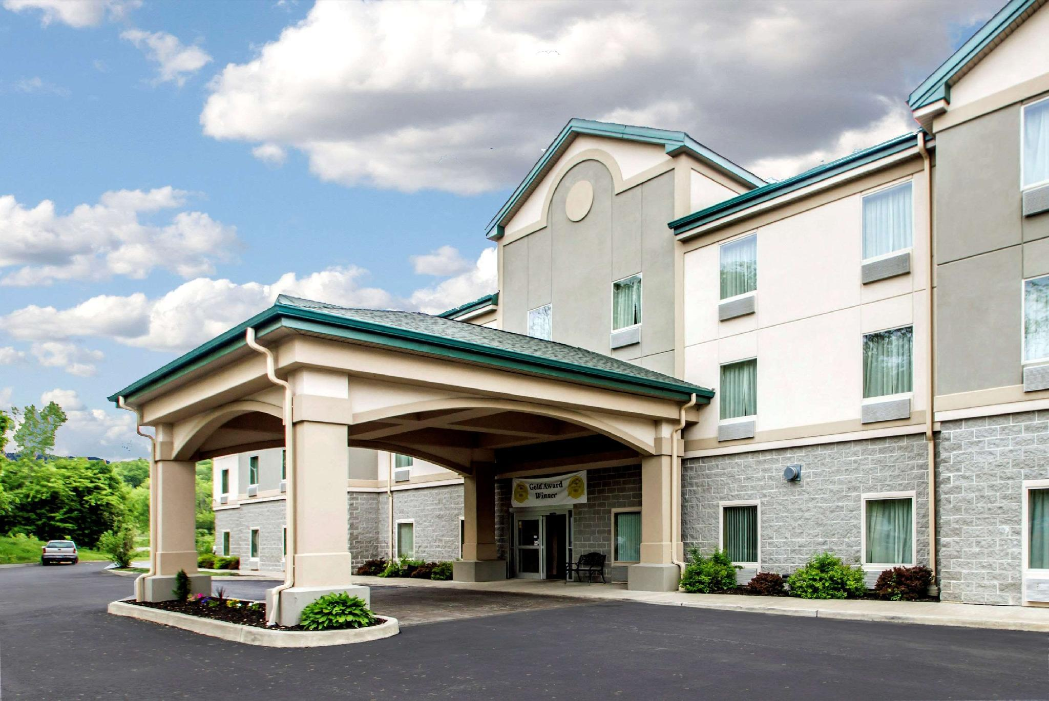 Quality Inn And Suites Fishkill South Near I 84