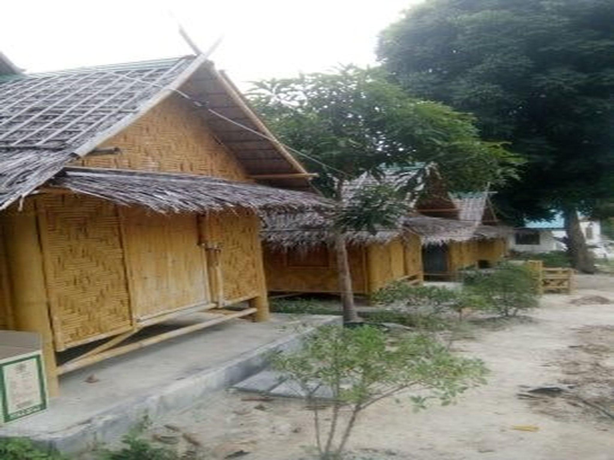 bamboo garden restaurant  sunset beach koh lipe