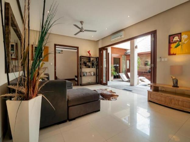Seminyak 7 Bedrooms, 10 Beds, Great Value