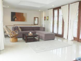Nirwana Villa Dago Bandung