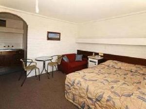Mahogany Motel