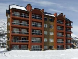 ビレッジ コンド ホテル (Village Condo Hotel)