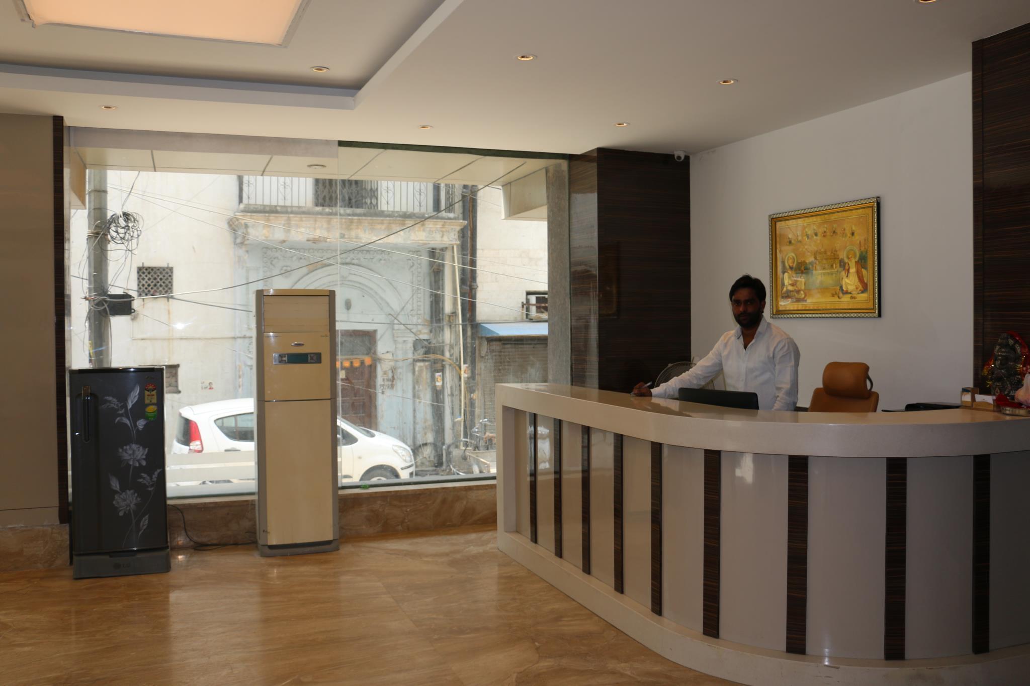 Hotel Superb @ New Delhi Railway Station