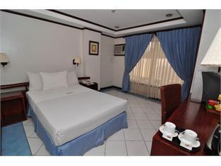 picture 5 of Soledad Suites