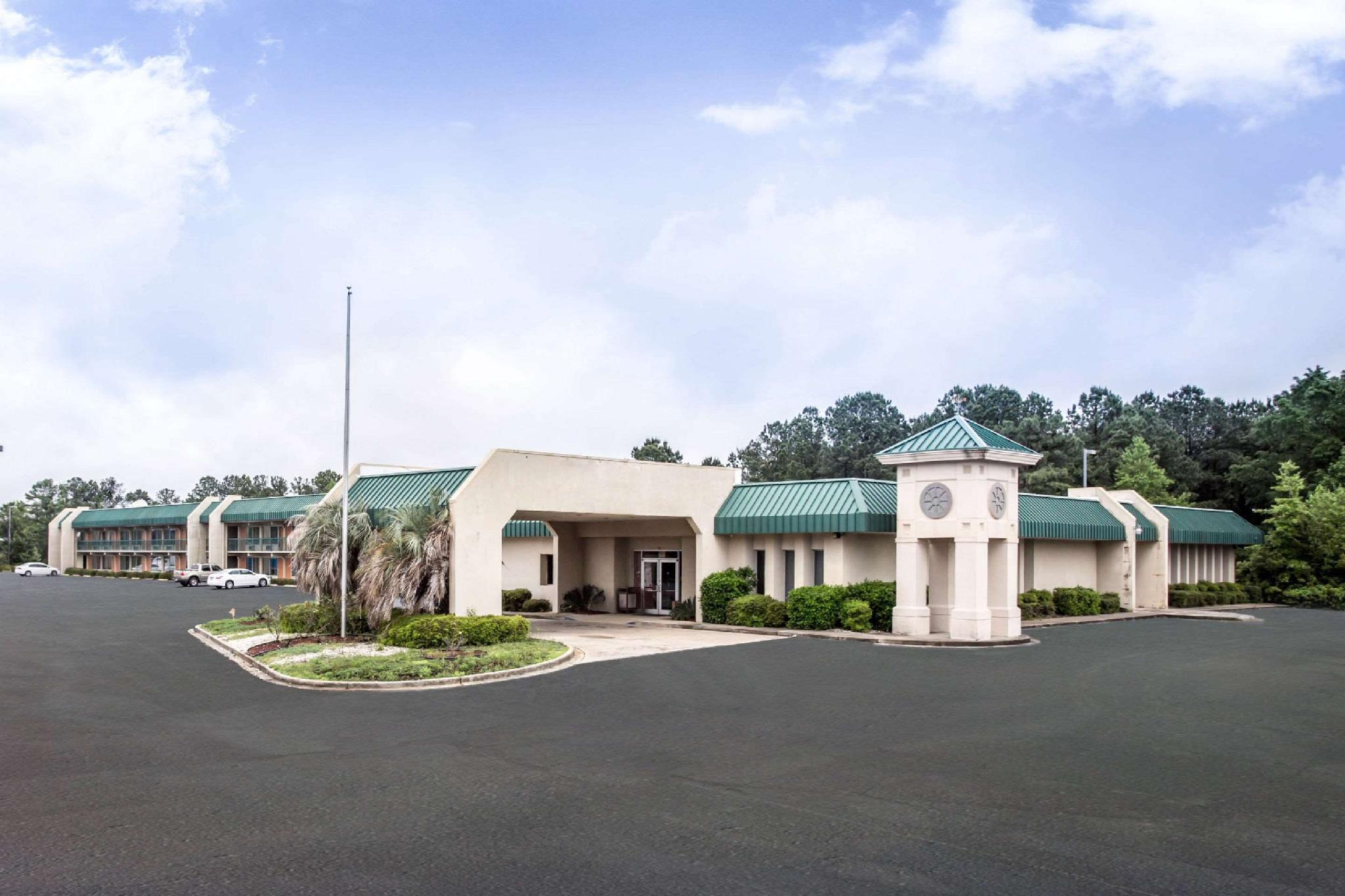 Rodeway Inn And Conference Center