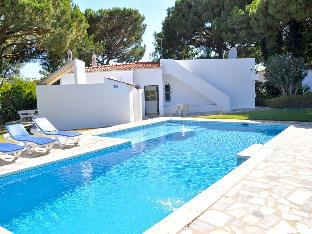 Cozy villa with private swimming pool garden with lawns and fruit trees