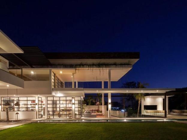Villa Suami Luxe Designer Villa Staycations, Event