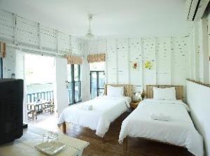 Sunshine Inn Resort