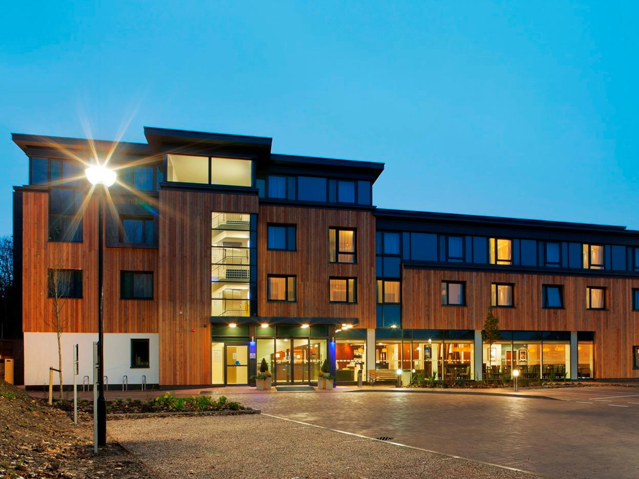 Holiday Inn Express Cambridge Duxford M11 JCT.10