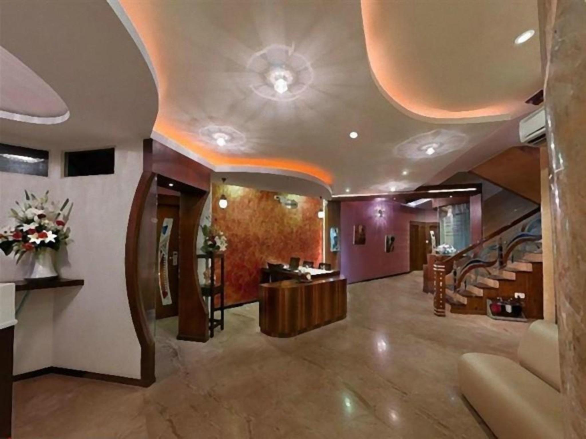 Grandeur Luxury Suites