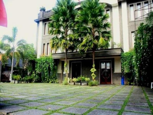 Nirwana Suites Bali