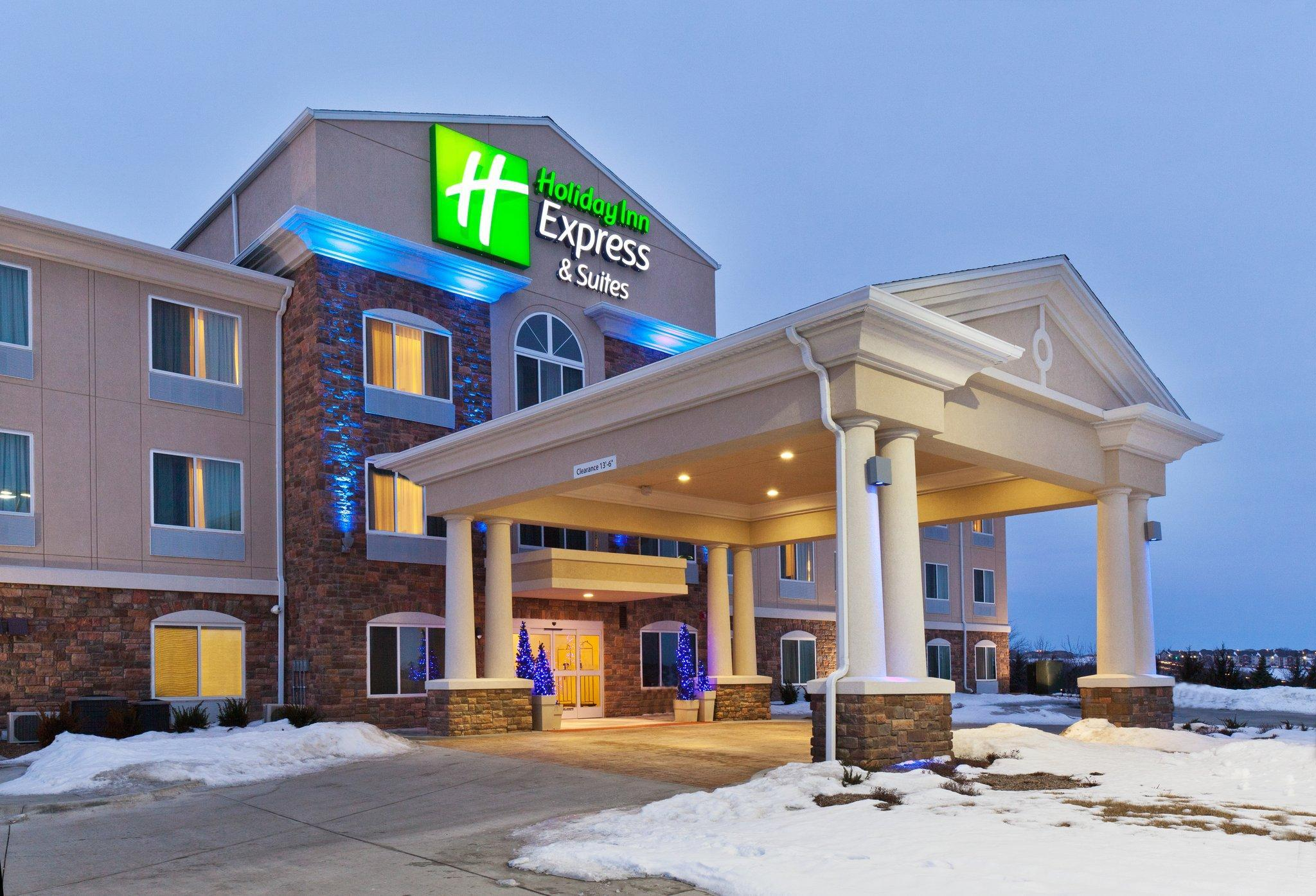 Holiday Inn Express Hotel And Suites Omaha I   80