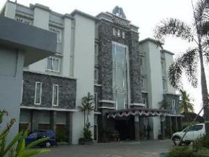 팜 호텔   (Hotel Palm)