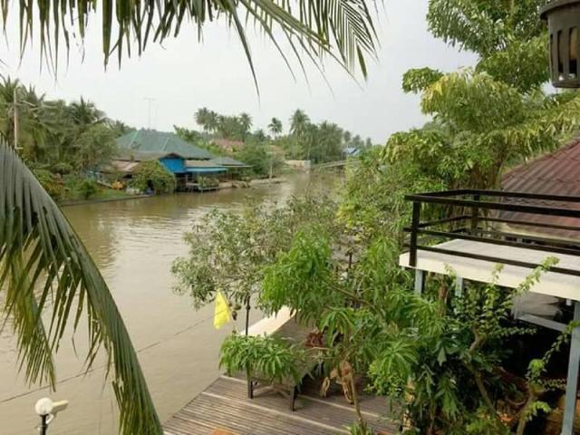 บ้านไม้ชายคลอง – Resort Baanmaichayklong