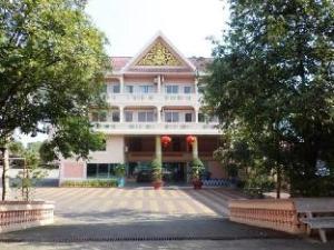 關於遲和內遲烏爾薩飯店 (Chhne Chulsa Hotel)