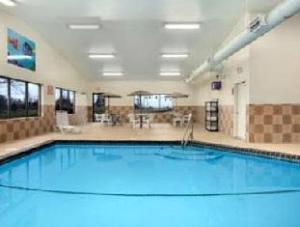 Baymont Inn and Suites Dubuque