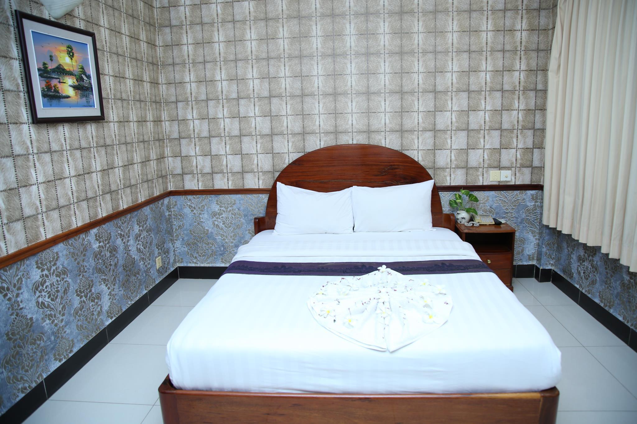 Holiday Hotel Battambang 3