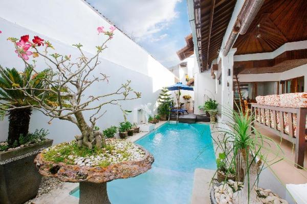 Wonderfull Stay atcosy 3BR Villa near Seminyak Bali