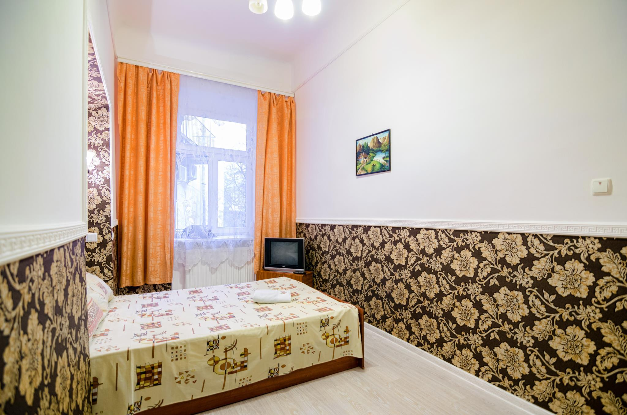 One Bedroom Apartment On Shevchenka Ave. 36
