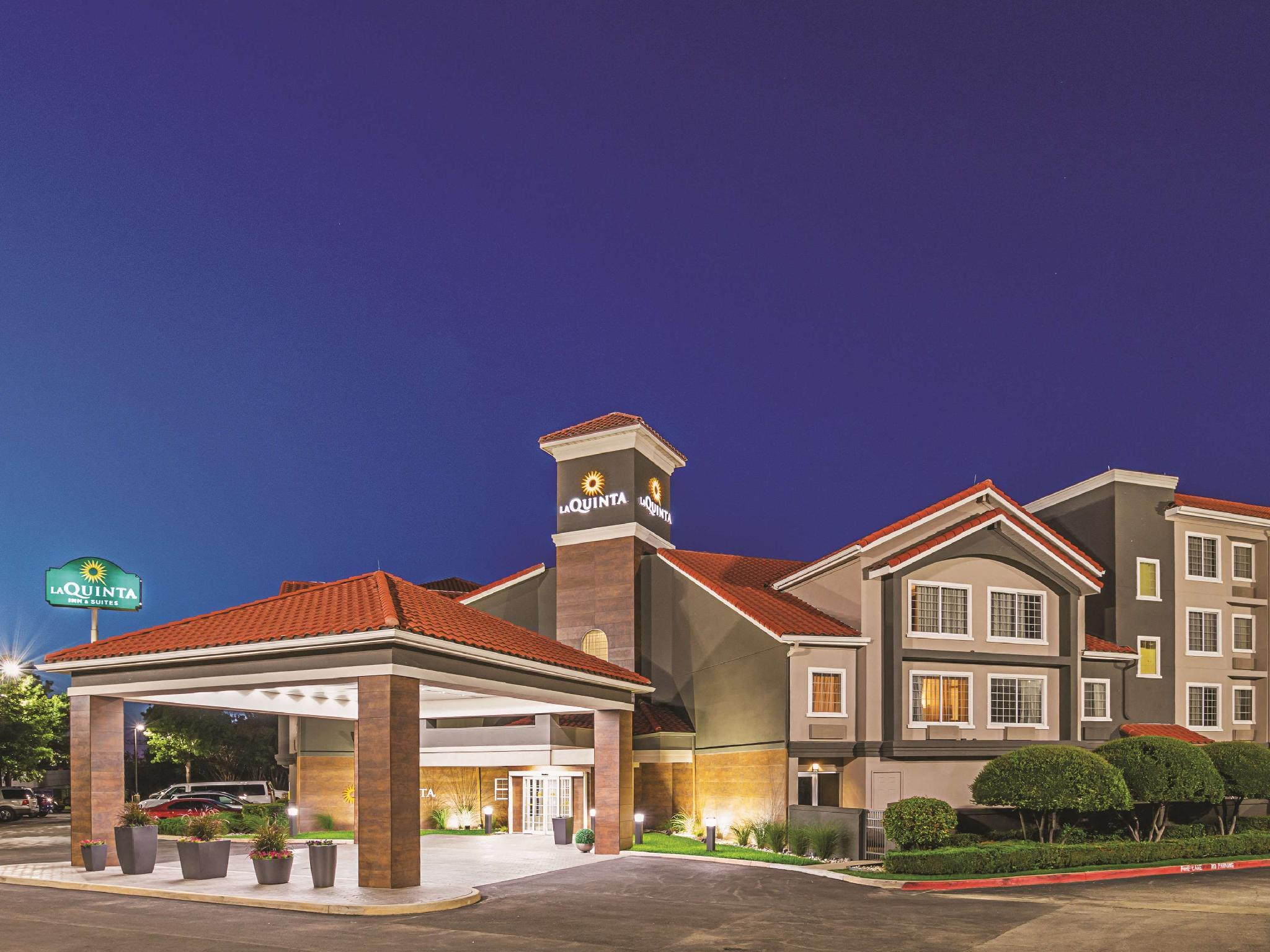 La Quinta Inn And Suites By Wyndham Fort Worth North