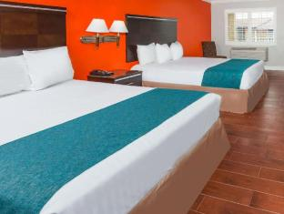 Howard Johnson Hotel & Suites by Wyndham Orange Orange (CA)