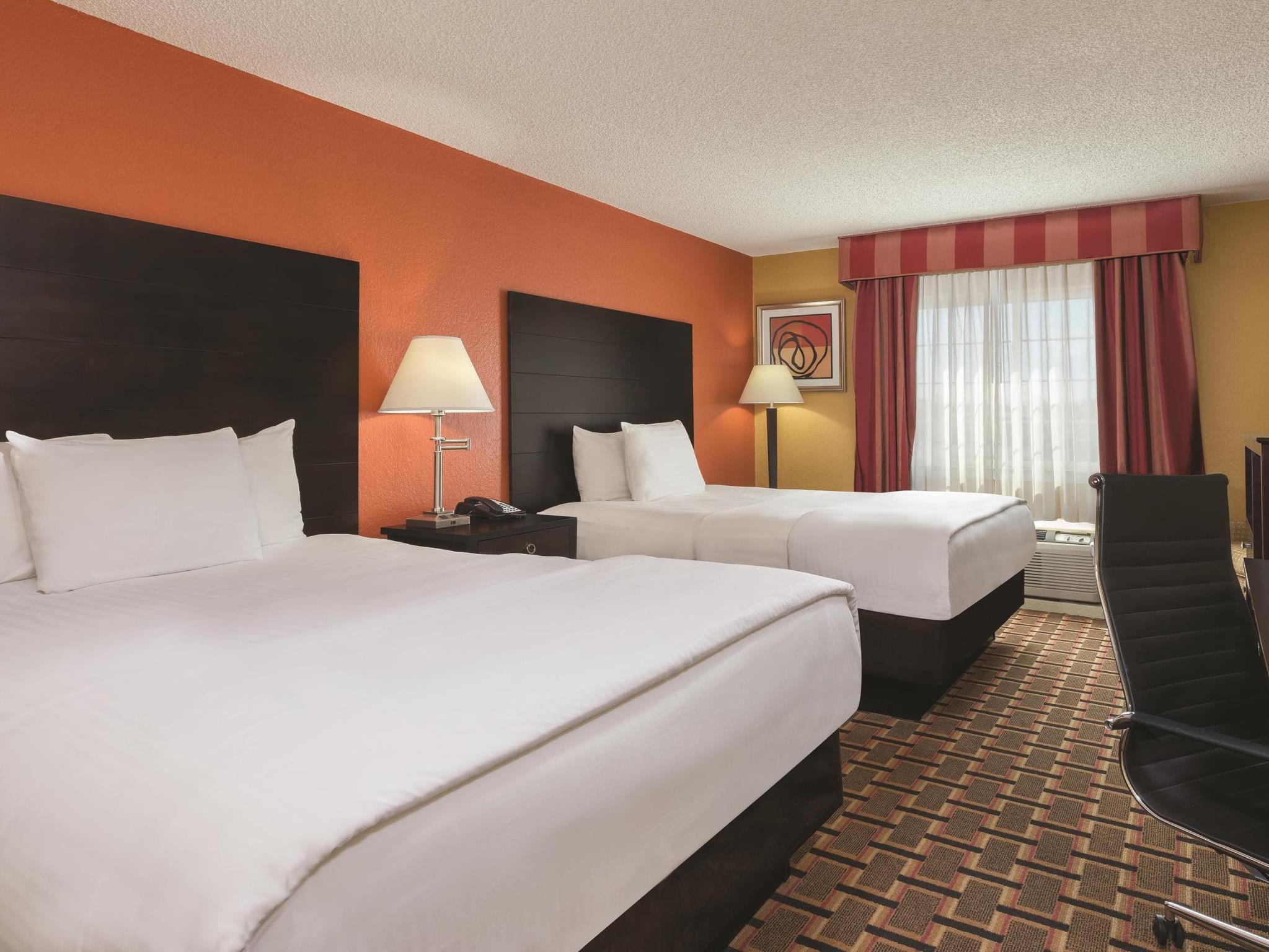 La Quinta Inn And Suites By Wyndham Joplin