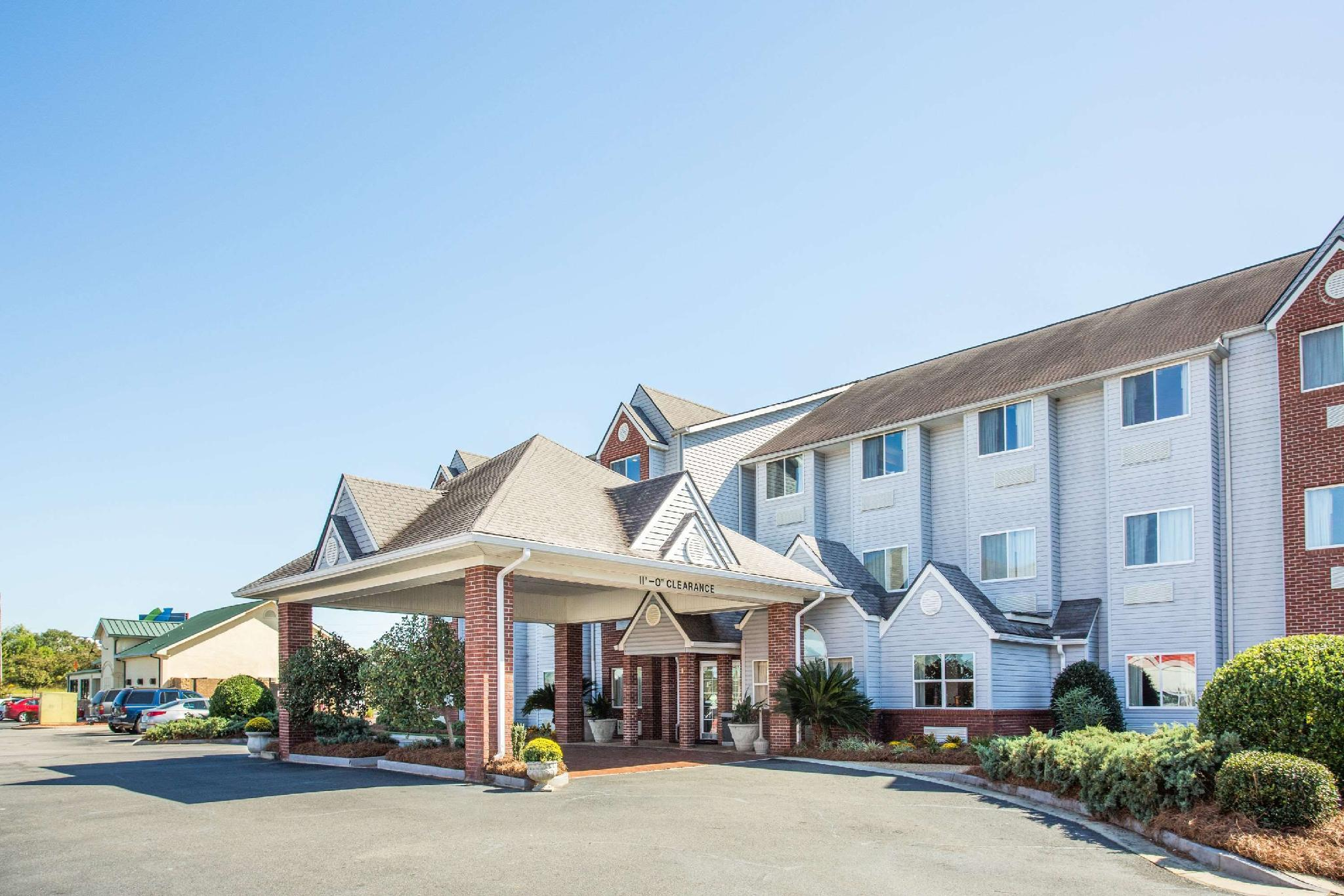 Microtel Inn And Suites By Wyndham Tifton