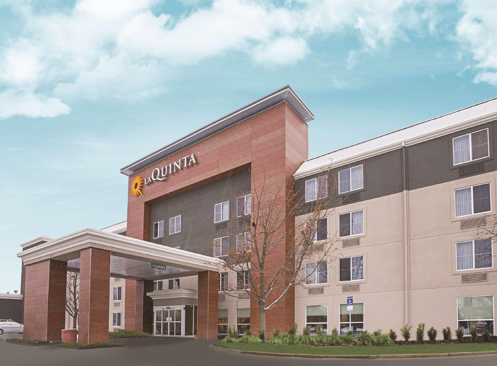 La Quinta Inn And Suites By Wyndham Detroit Utica