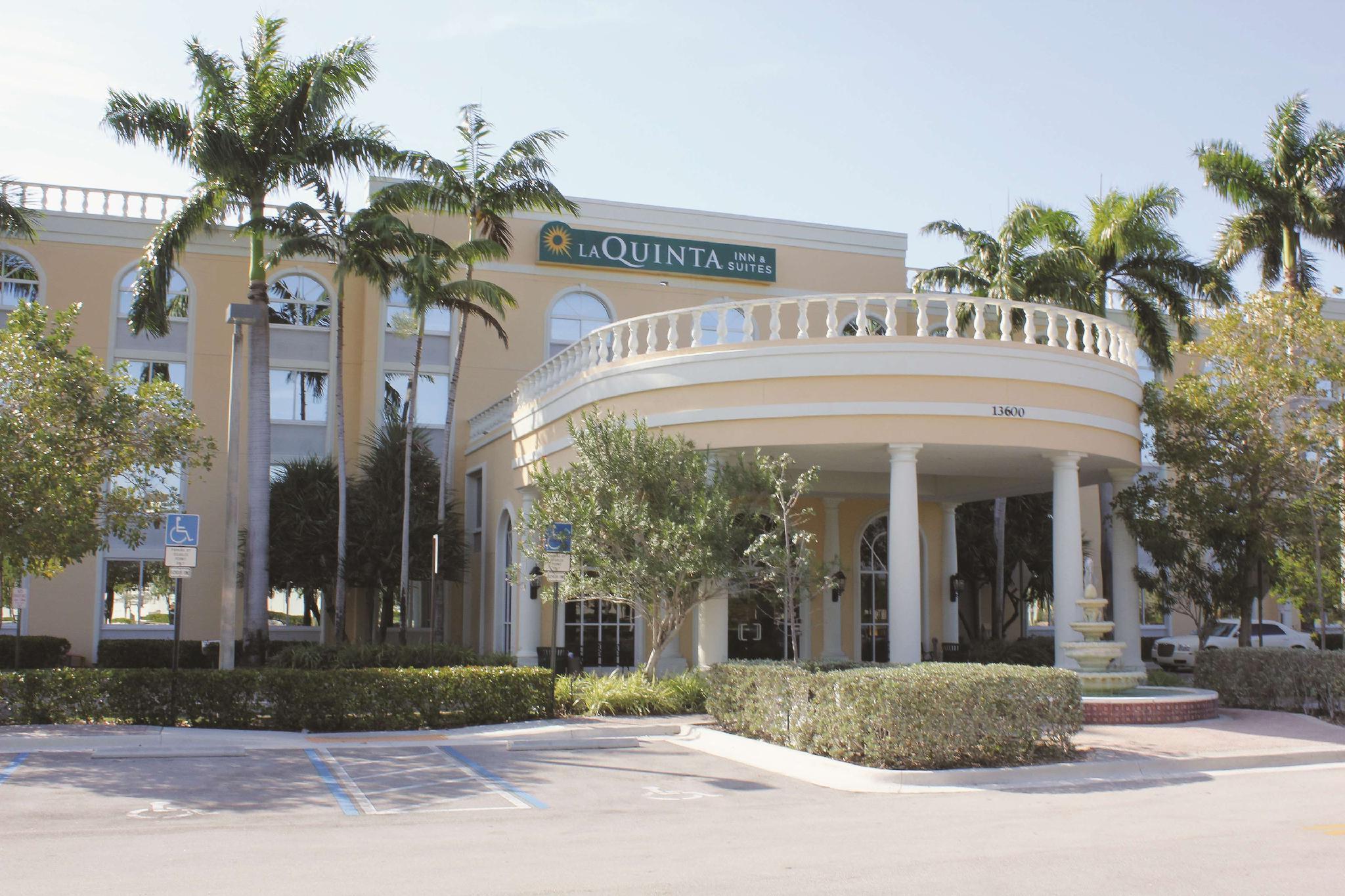 La Quinta Inn And Suites By Wyndham Sunrise