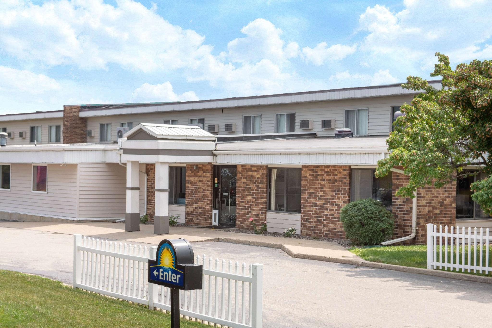 Days Inn By Wyndham Fond Du Lac