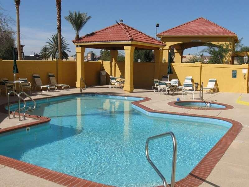 La Quinta Inn And Suites By Wyndham Phoenix I 10 West