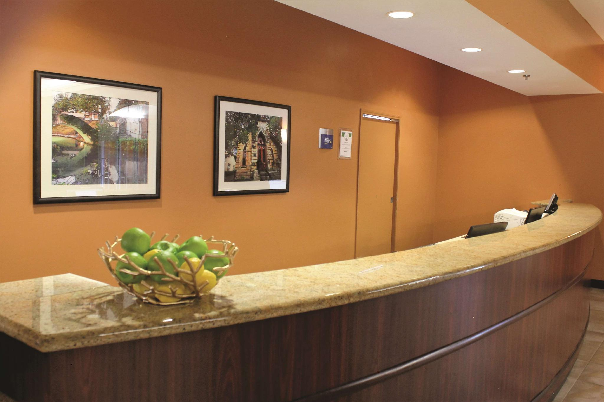 La Quinta Inn & Suites By Wyndham San Antonio Medical Ctr NW