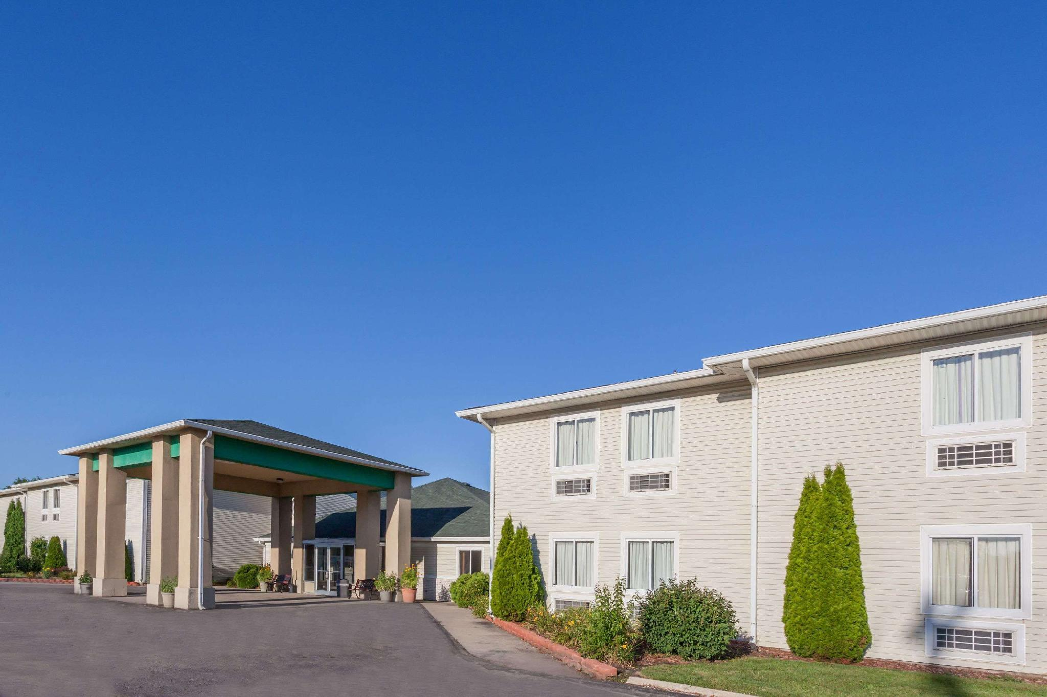 Days Inn And Suites By Wyndham Dundee