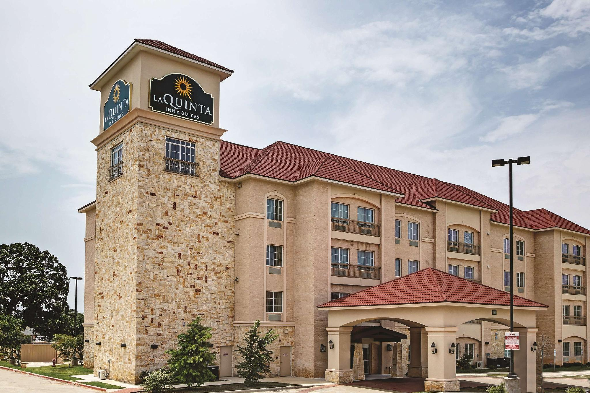 La Quinta Inn And Suites By Wyndham DFW Airport West   Euless