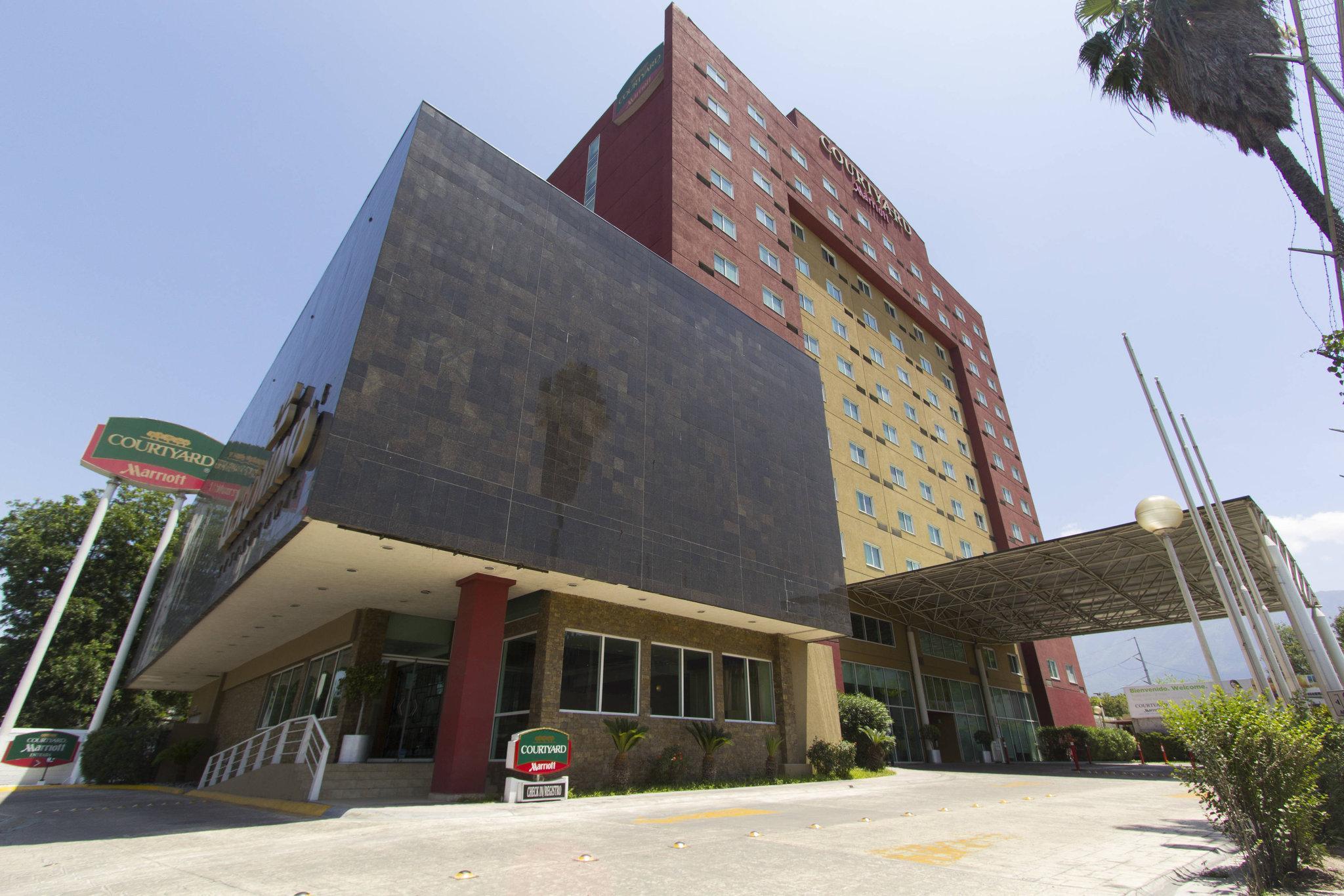 Courtyard Monterrey San Jeronimo Valle
