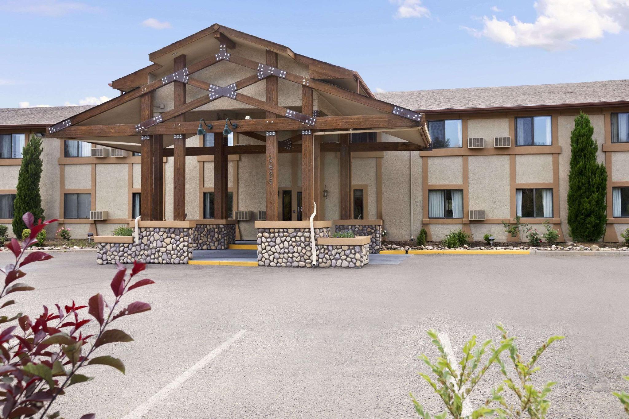 Travelodge By Wyndham Colorado Springs
