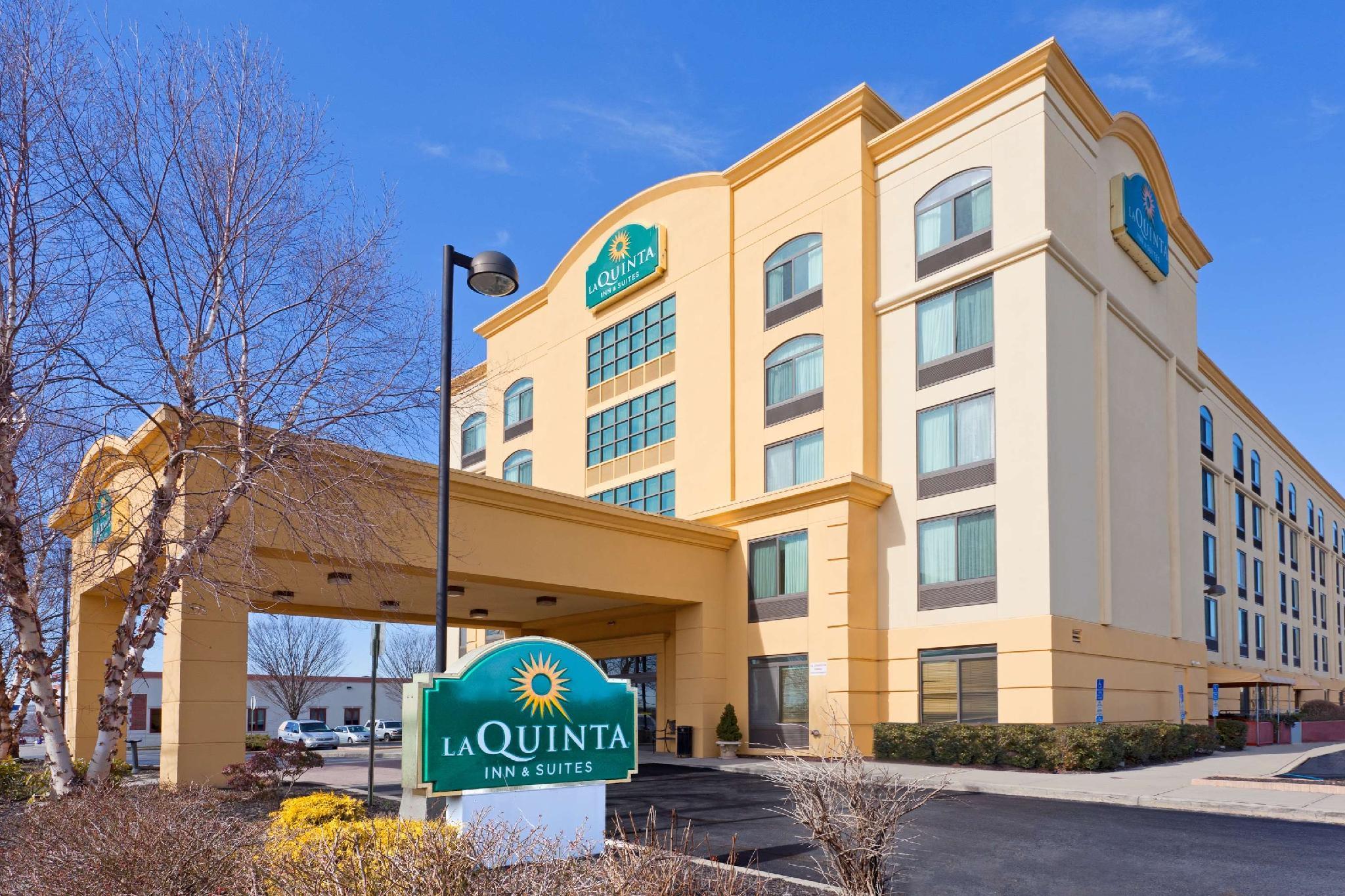 La Quinta Inn & Suites by Wyndham Garden City