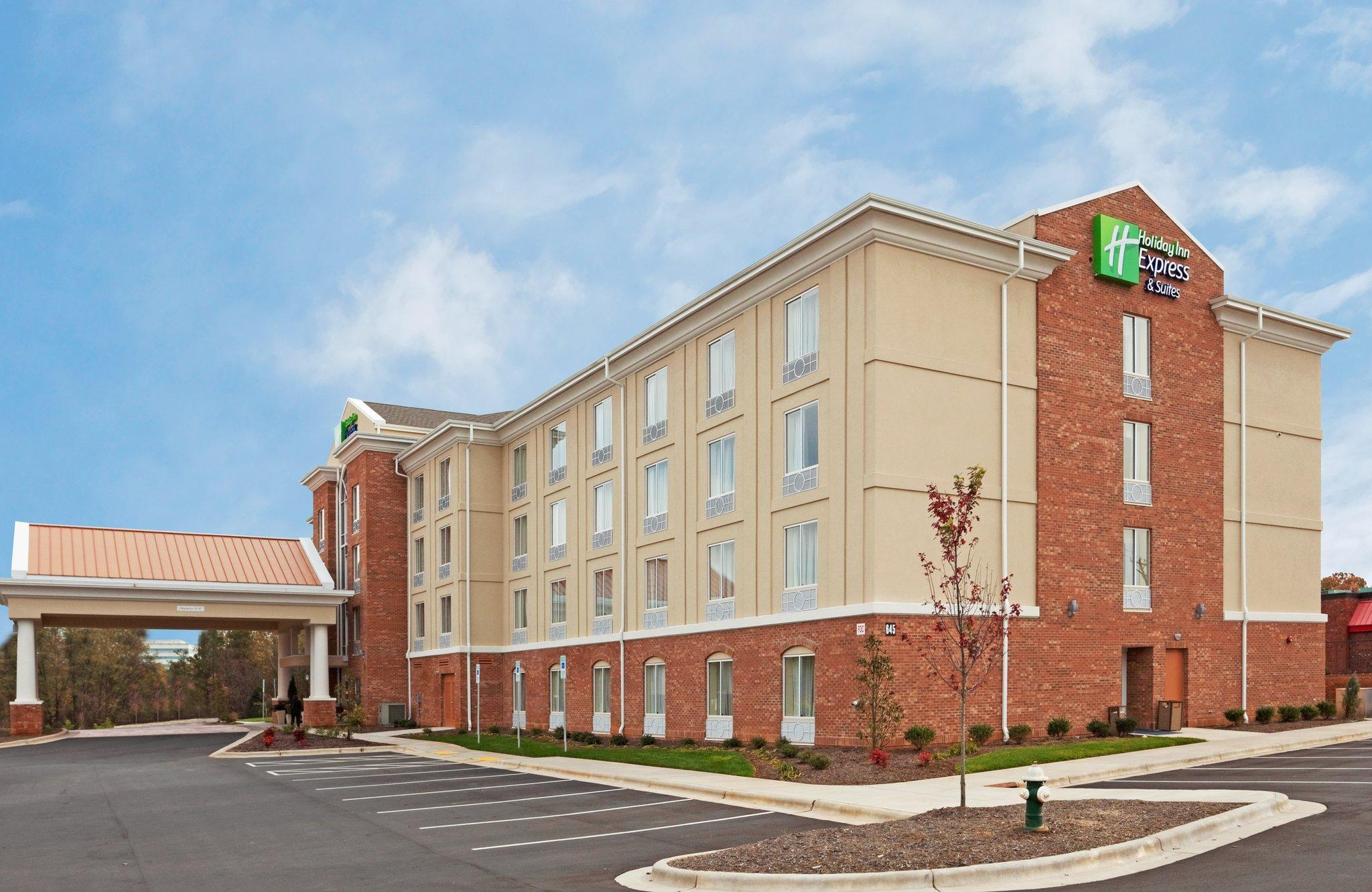 Holiday Inn Express Hotel And Suites Greensboro   Airport Area