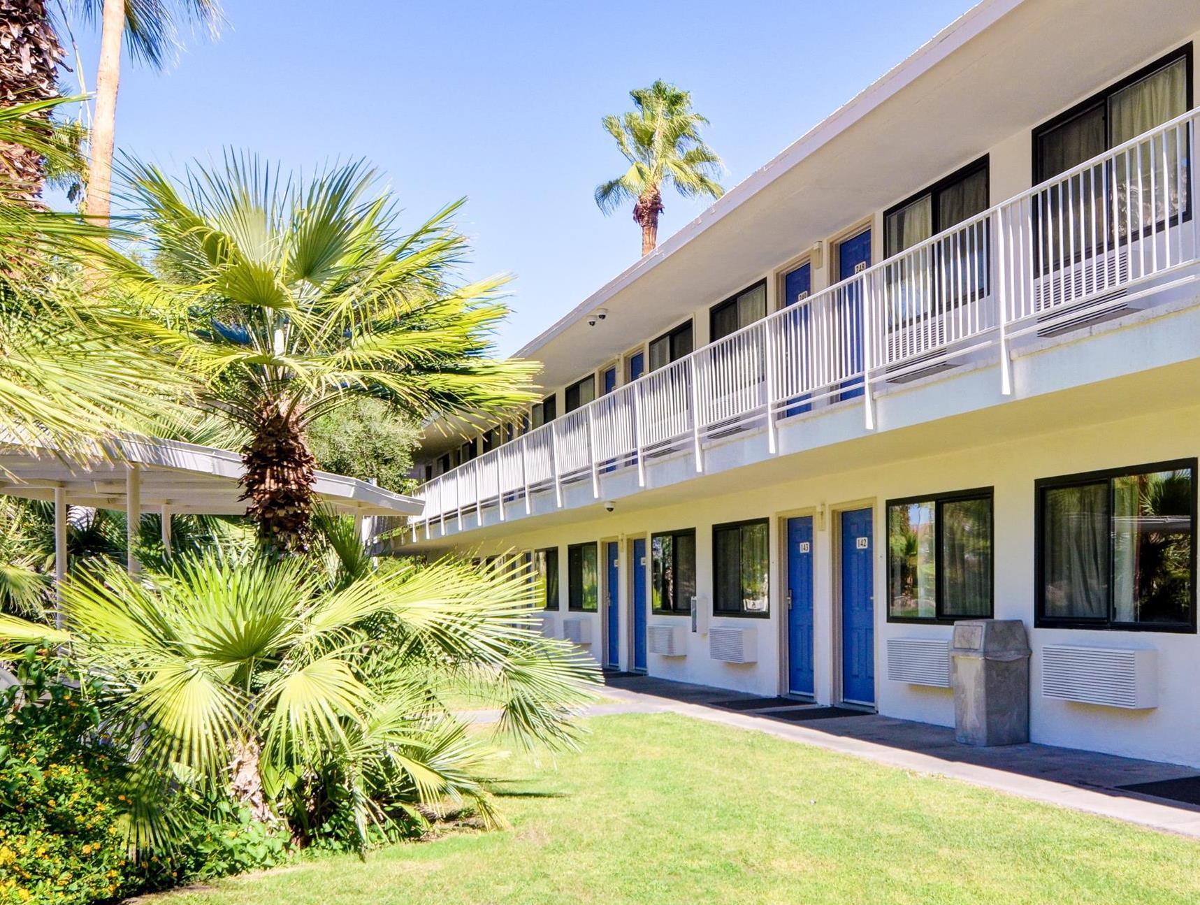Motel 6 Palm Springs East