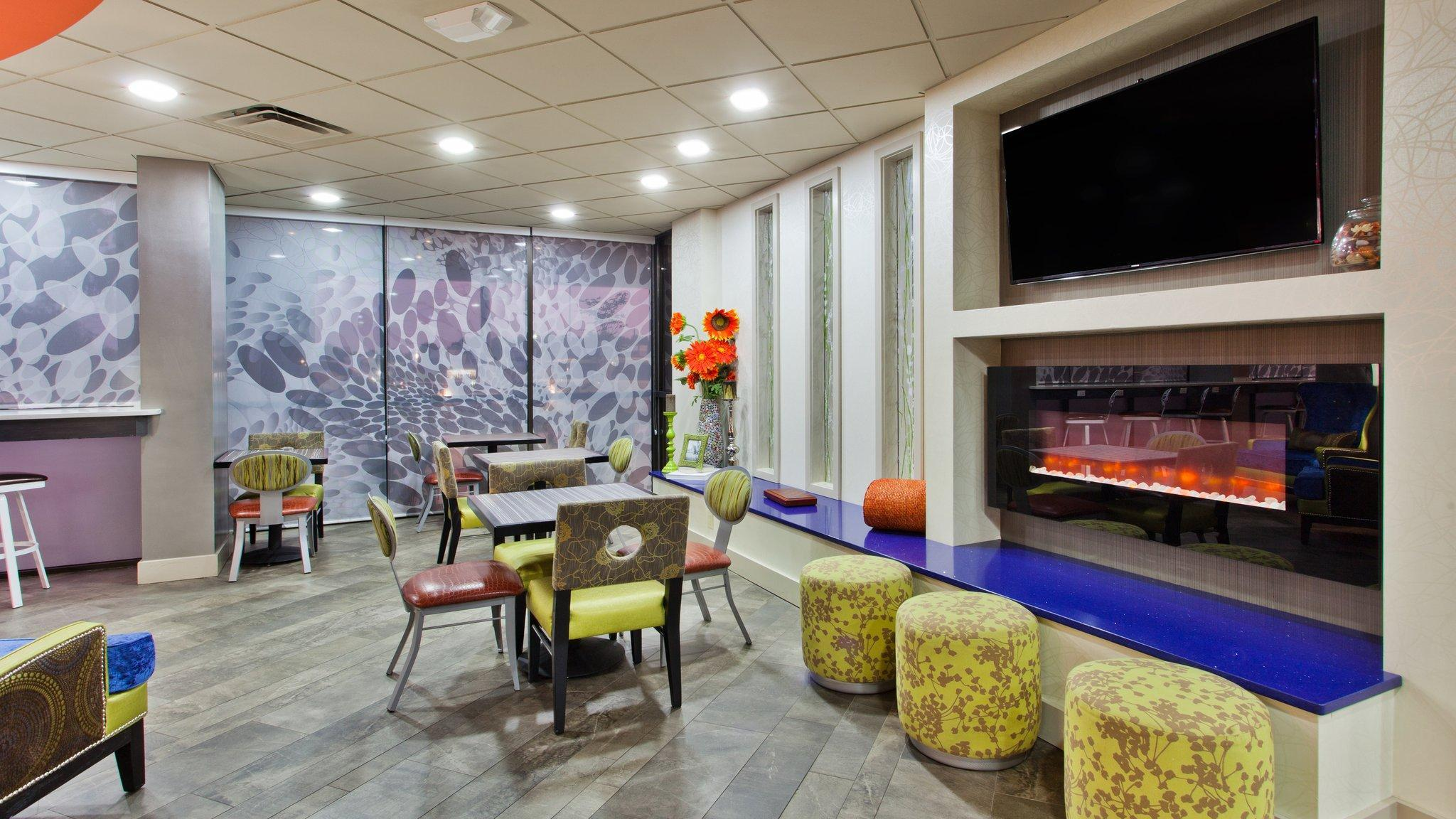 Holiday Inn Express Atlanta NW   Galleria Area