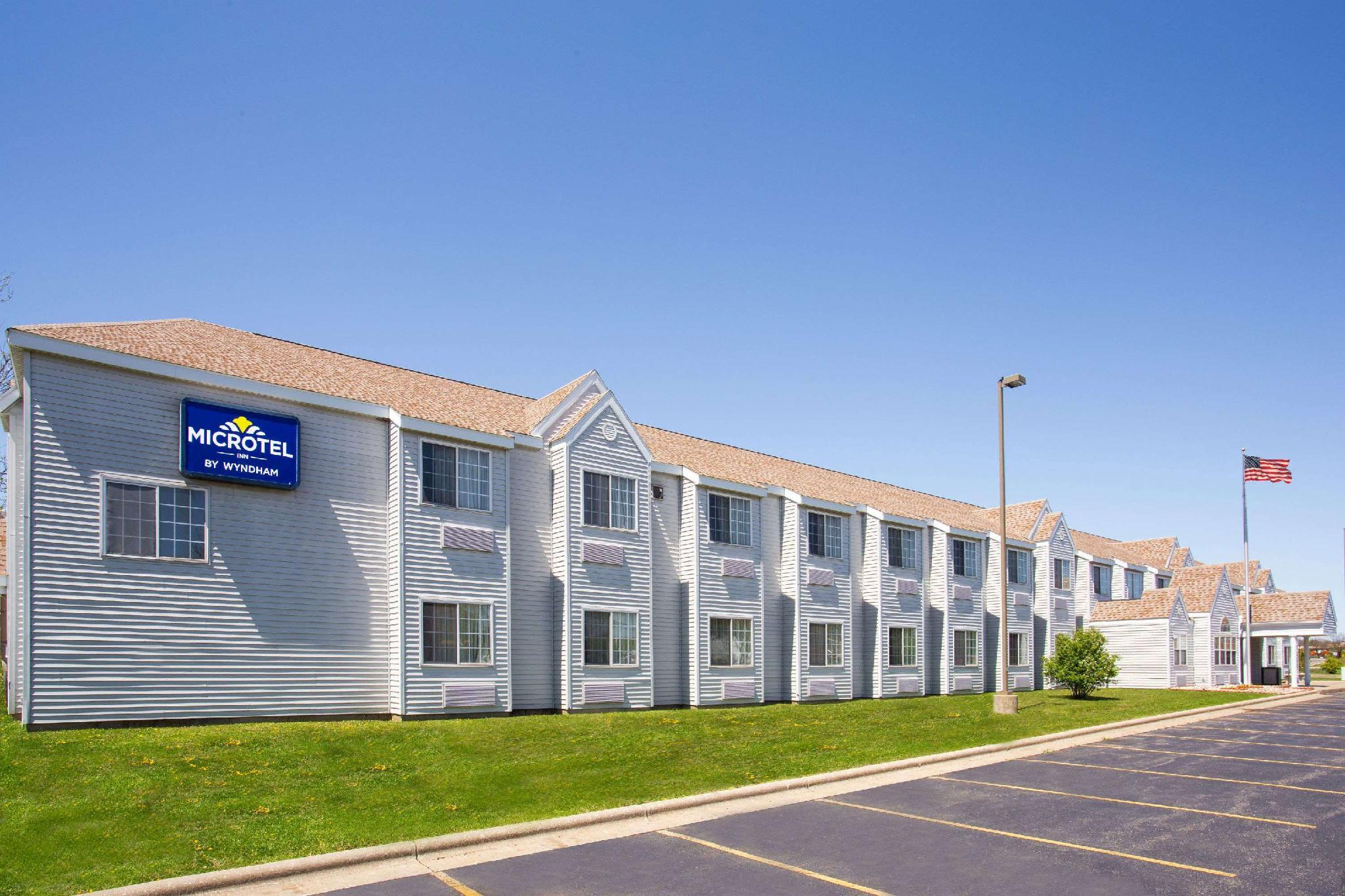 Microtel Inn And Suites By Wyndham Janesville