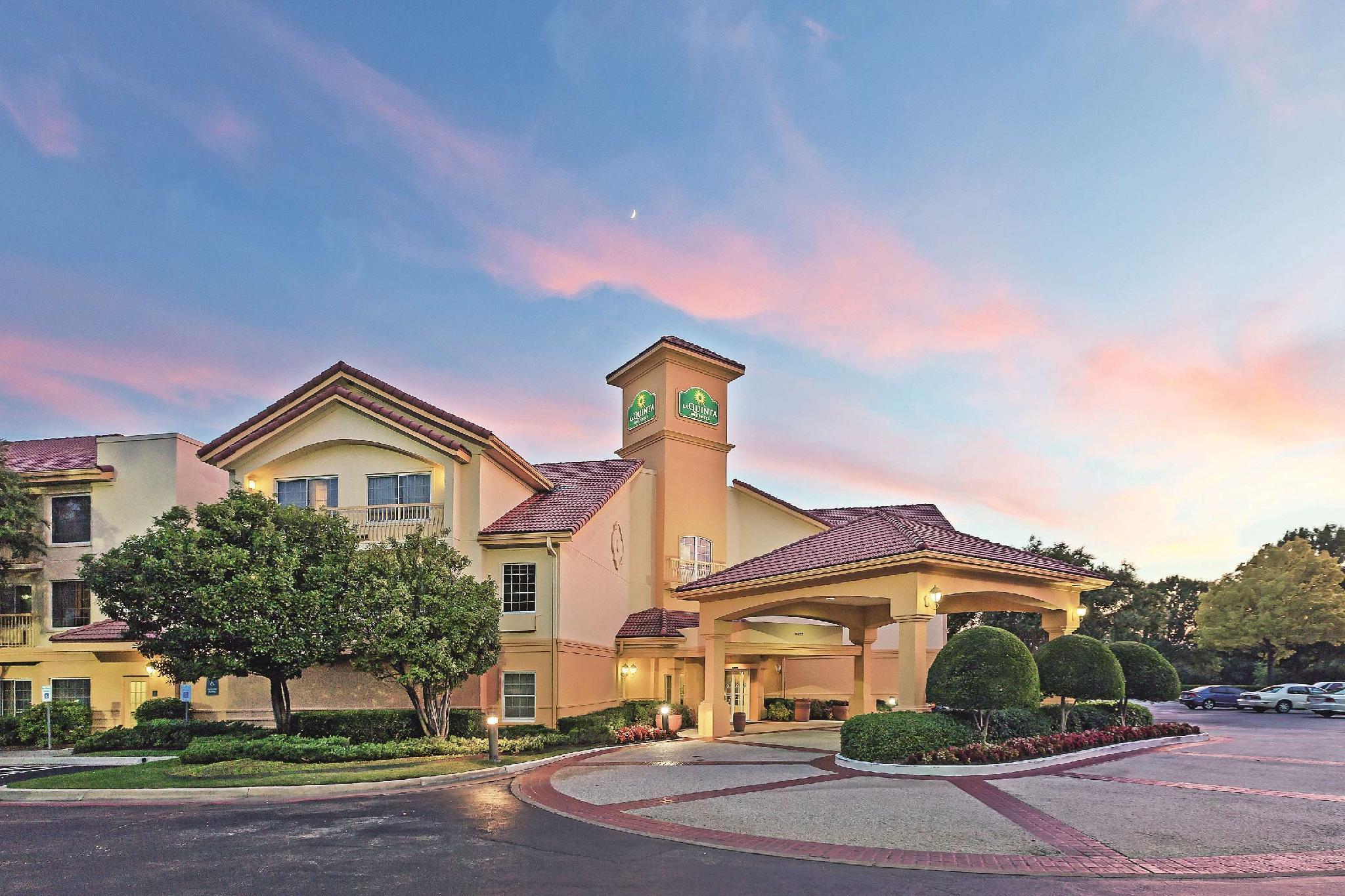 La Quinta Inn And Suites By Wyndham Dallas   Addison Galleria