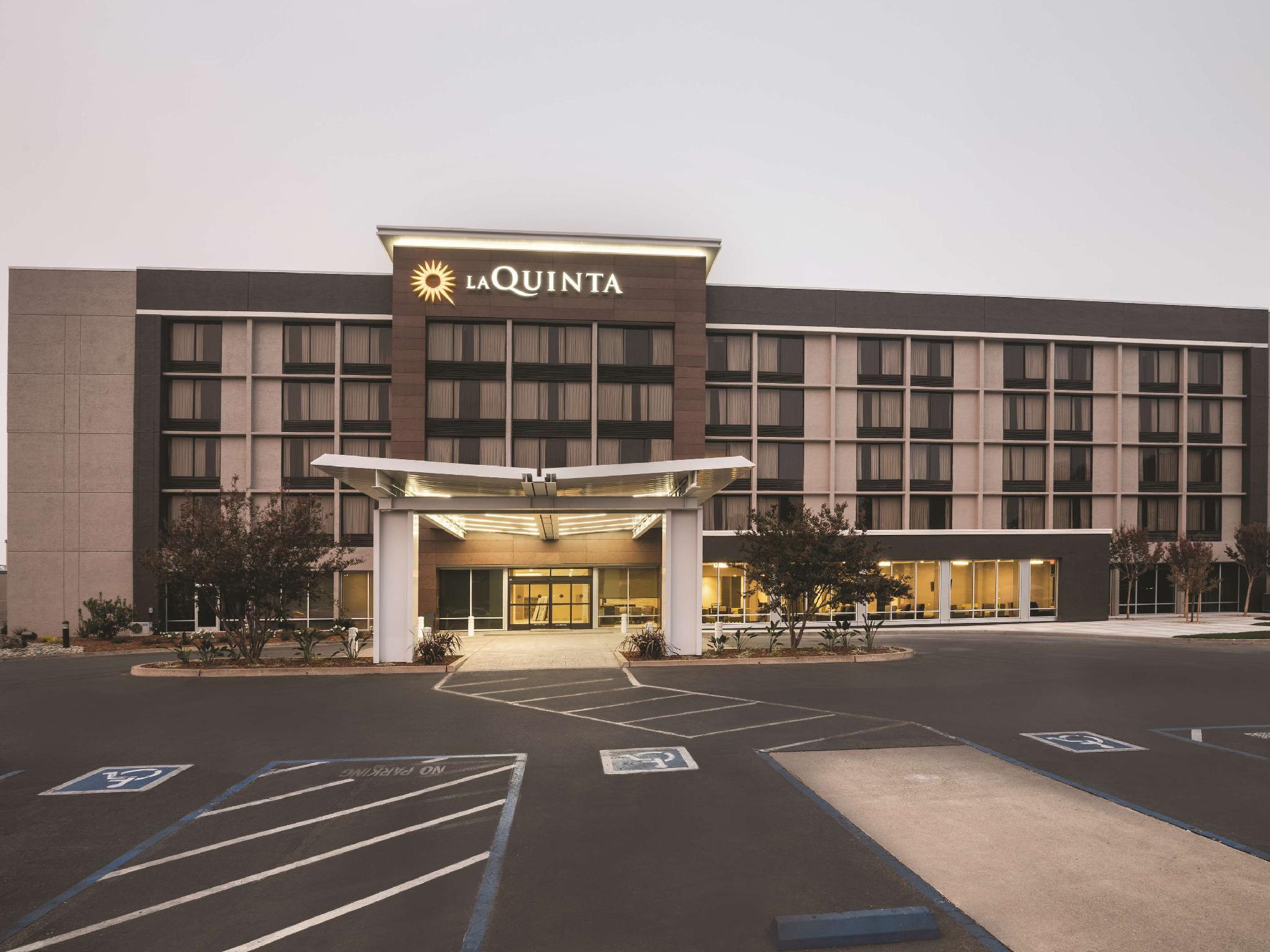 La Quinta Inn And Suites By Wyndham Rancho Cordova Sacramento