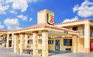 Super 8 By Wyndham Athens Athens (TN)  United States