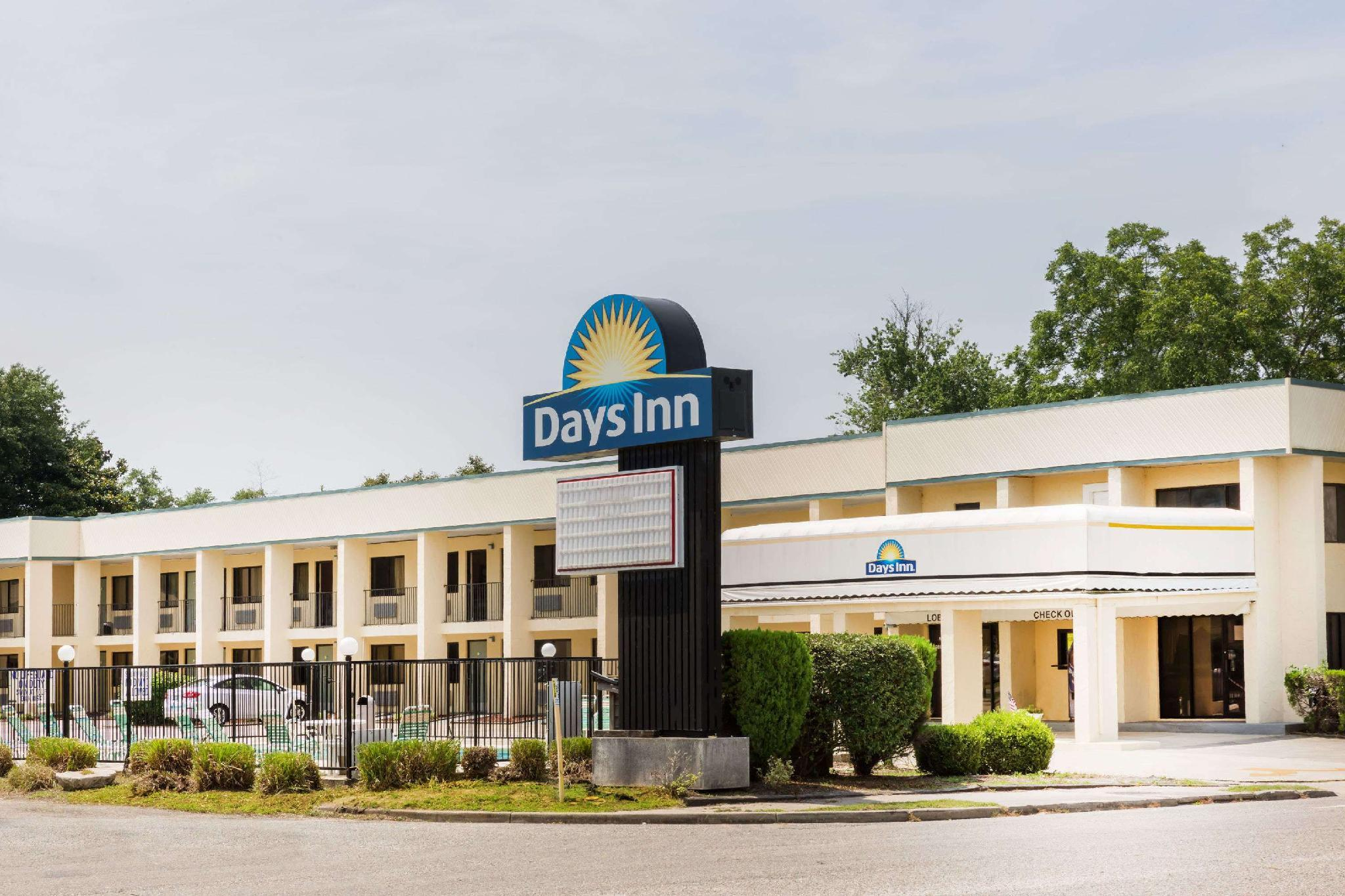 Days Inn By Wyndham Little River
